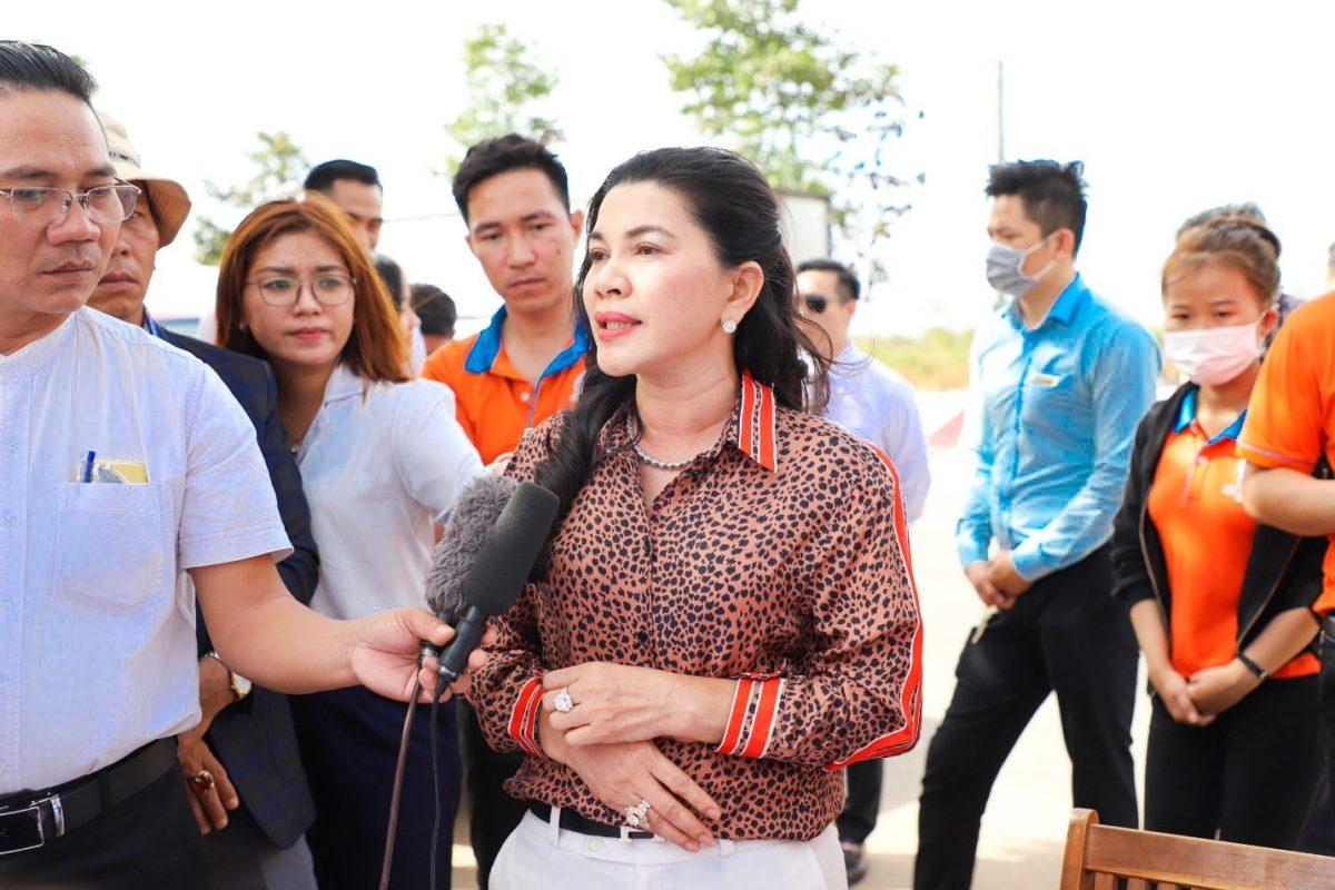 ba dang thi kim oanh Chính thức bàn giao đất dự án Khu dân cư Hòa Lân cho Kim Oanh Group
